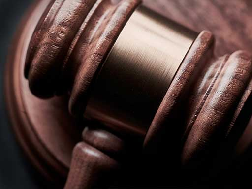 Leadership-Management-Courtroom-Lawyer-Solicitor-Practice
